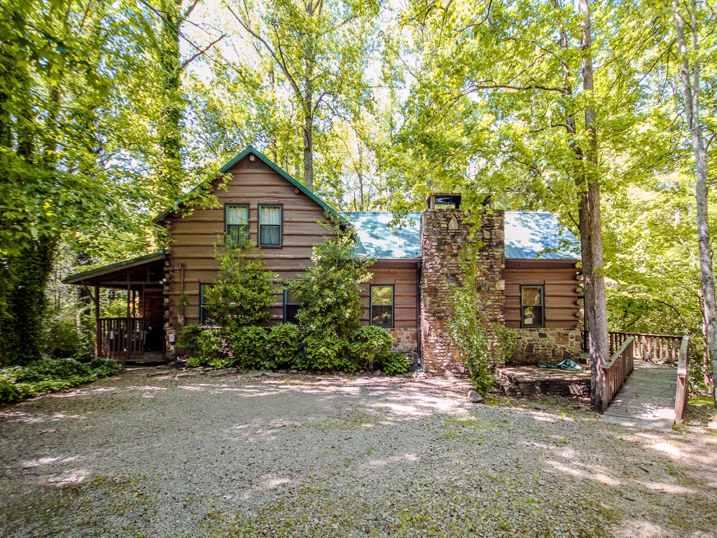 Photo of a Gatlinburg Cabin named Twin Creeks - This is the second photo in the set.