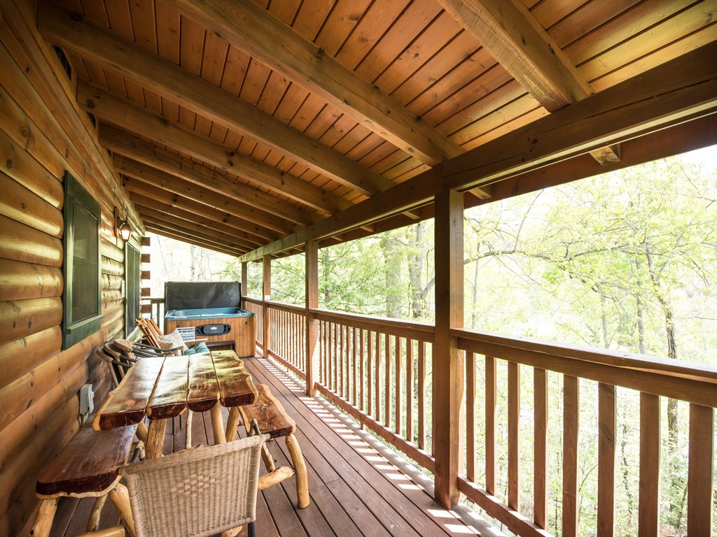 Photo of a Gatlinburg Cabin named Bear Essentials - This is the twentieth photo in the set.
