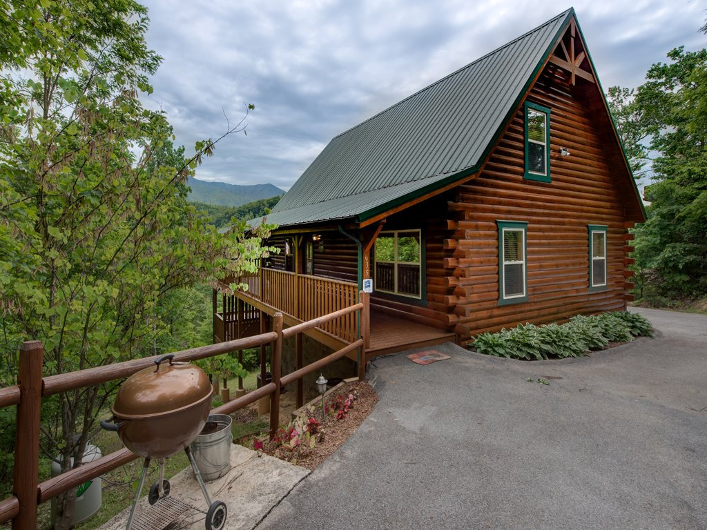 Photo of a Gatlinburg Cabin named Triple Mountain View - This is the twenty-fourth photo in the set.