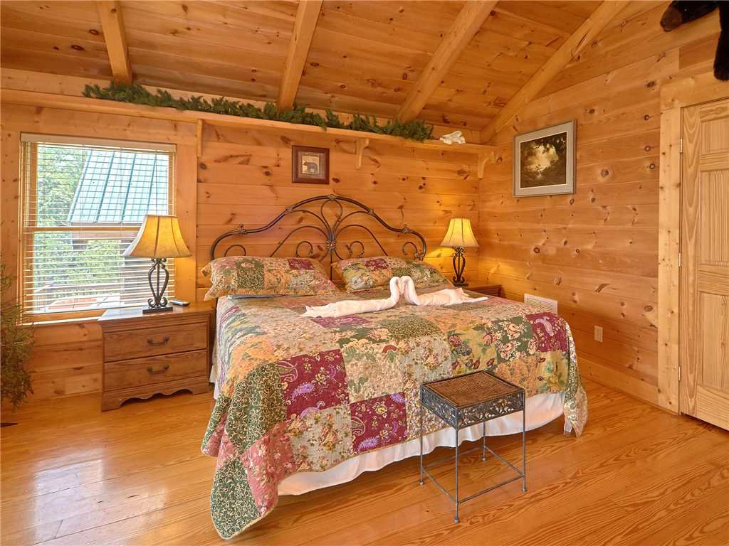 Photo of a Gatlinburg Cabin named Bear Pause Ii - This is the twelfth photo in the set.