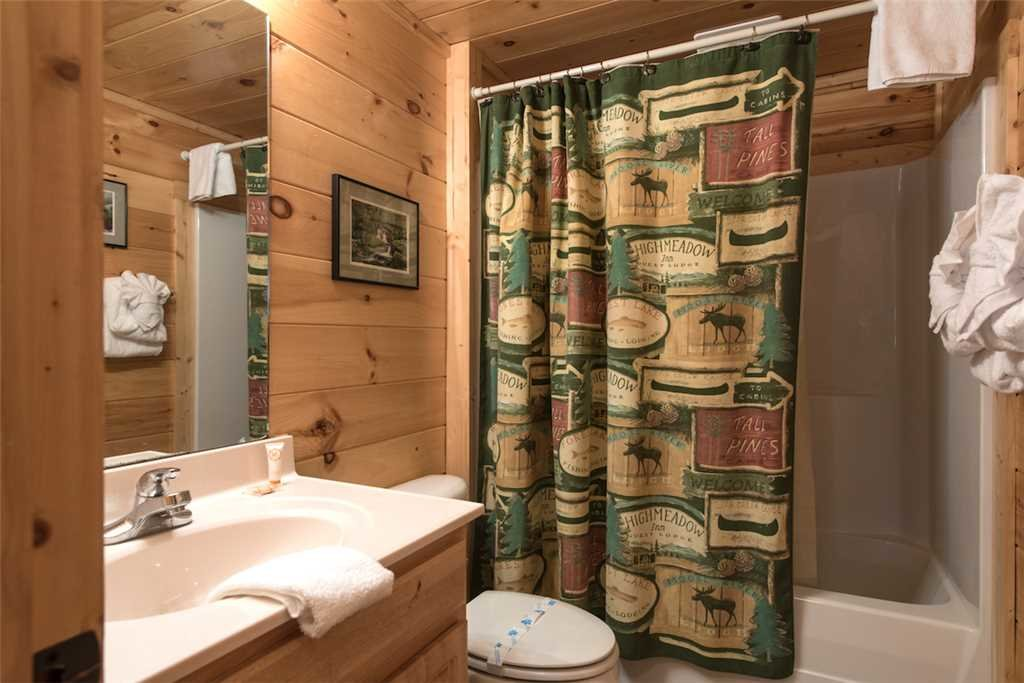 Photo of a Sevierville Cabin named Serenity Peak - This is the fifteenth photo in the set.