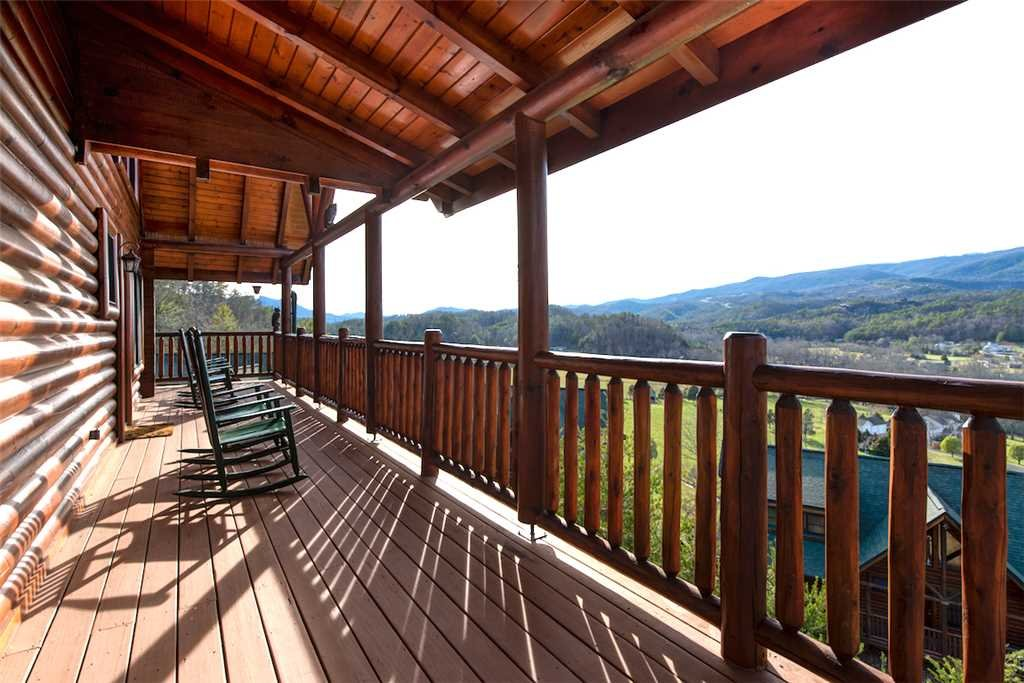 Photo of a Sevierville Cabin named Serenity Peak - This is the twenty-third photo in the set.