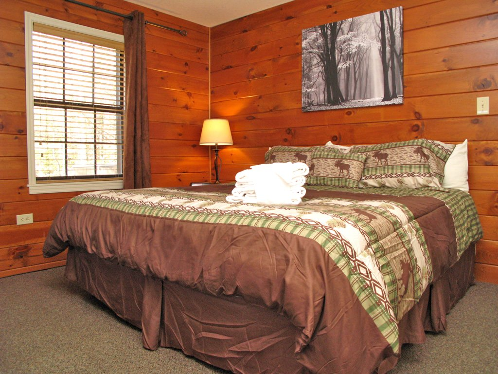 Photo of a Gatlinburg Cabin named Adventure Lodge - This is the seventeenth photo in the set.