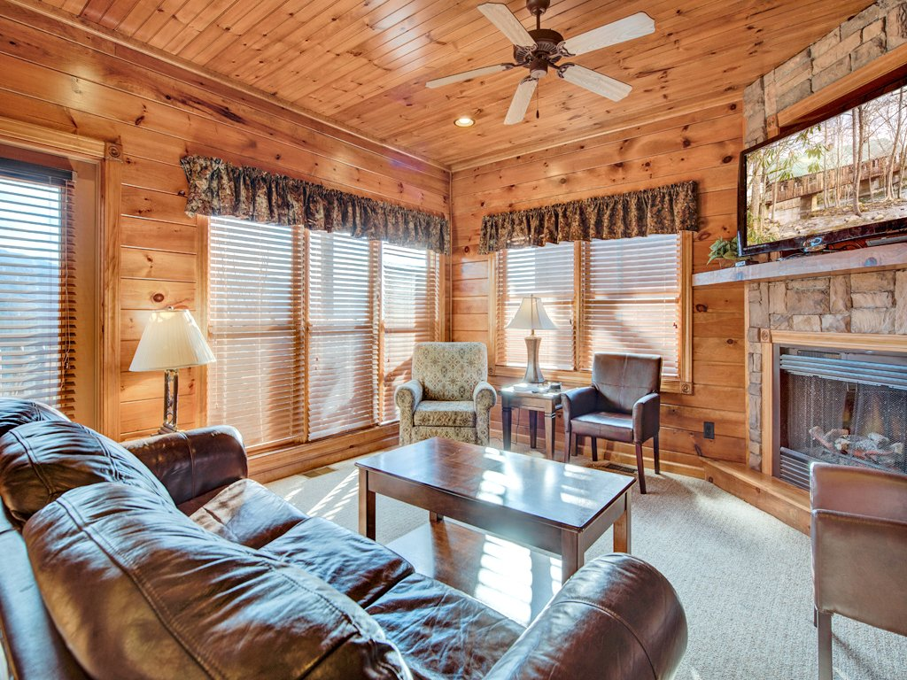 Photo of a Gatlinburg Cabin named Million Dollar View - This is the first photo in the set.