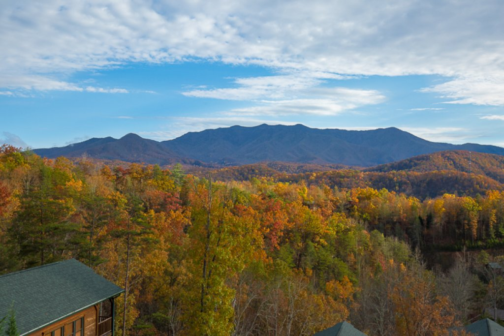 Photo of a Gatlinburg Cabin named Million Dollar View - This is the twenty-fourth photo in the set.