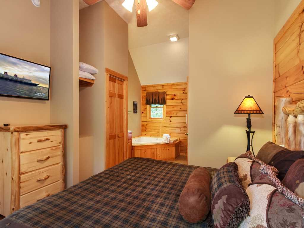 Photo of a Gatlinburg Cabin named Saddle Ridge - This is the eleventh photo in the set.