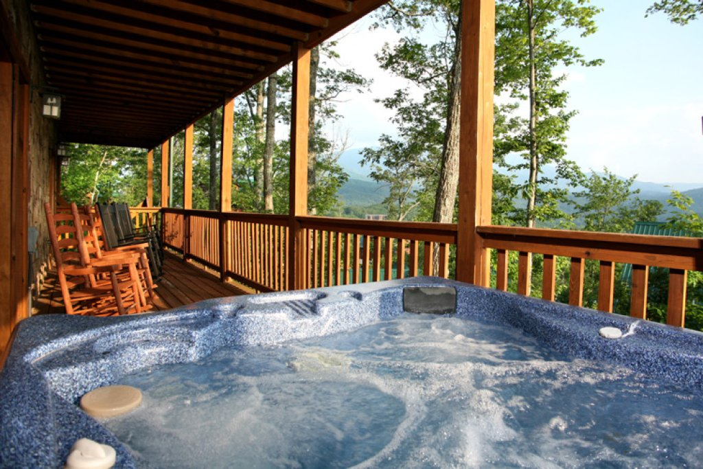 Photo of a Gatlinburg Cabin named Gatlinburg Getaway - This is the third photo in the set.