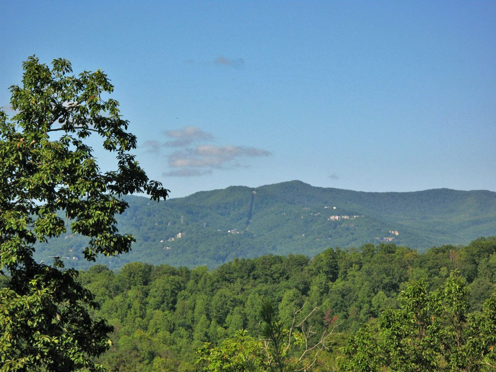 Photo of a Gatlinburg Cabin named Chimney Top Overlook - This is the thirty-first photo in the set.
