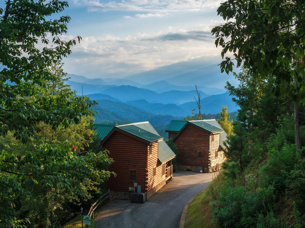 Enchanted View Lodge Cabin In Gatlinburg W 3 Br Sleeps10
