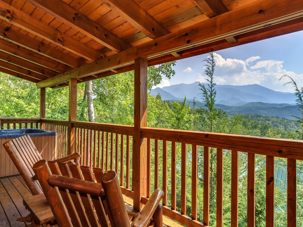 Photo of a Gatlinburg Cabin named Enchanted View Lodge - This is the twenty-first photo in the set.