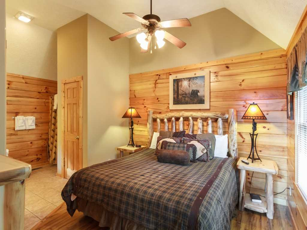 Photo of a Gatlinburg Cabin named Saddle Ridge - This is the tenth photo in the set.