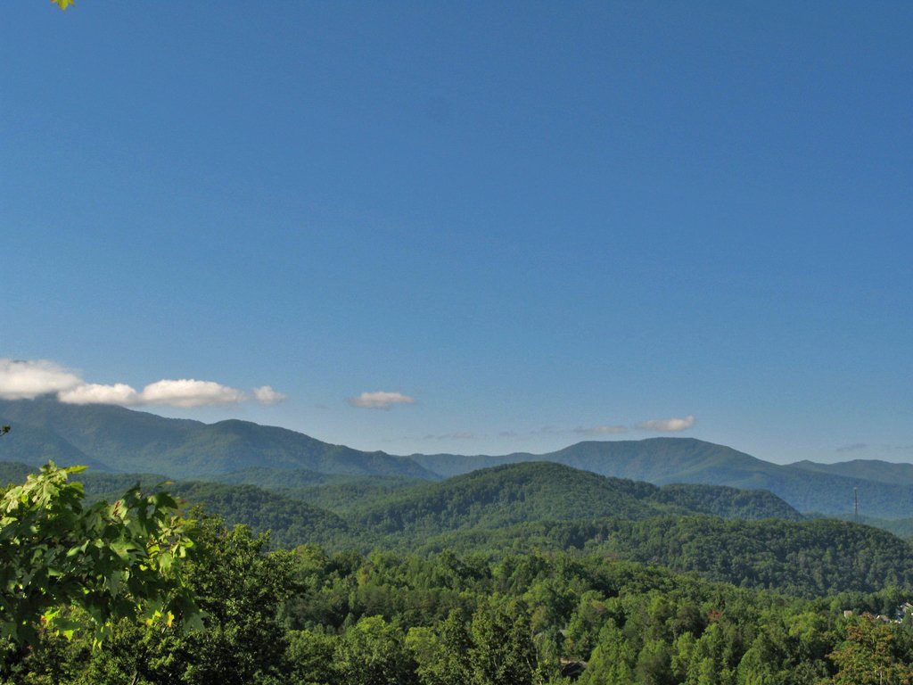 Photo of a Gatlinburg Cabin named Chimney Top Overlook - This is the third photo in the set.