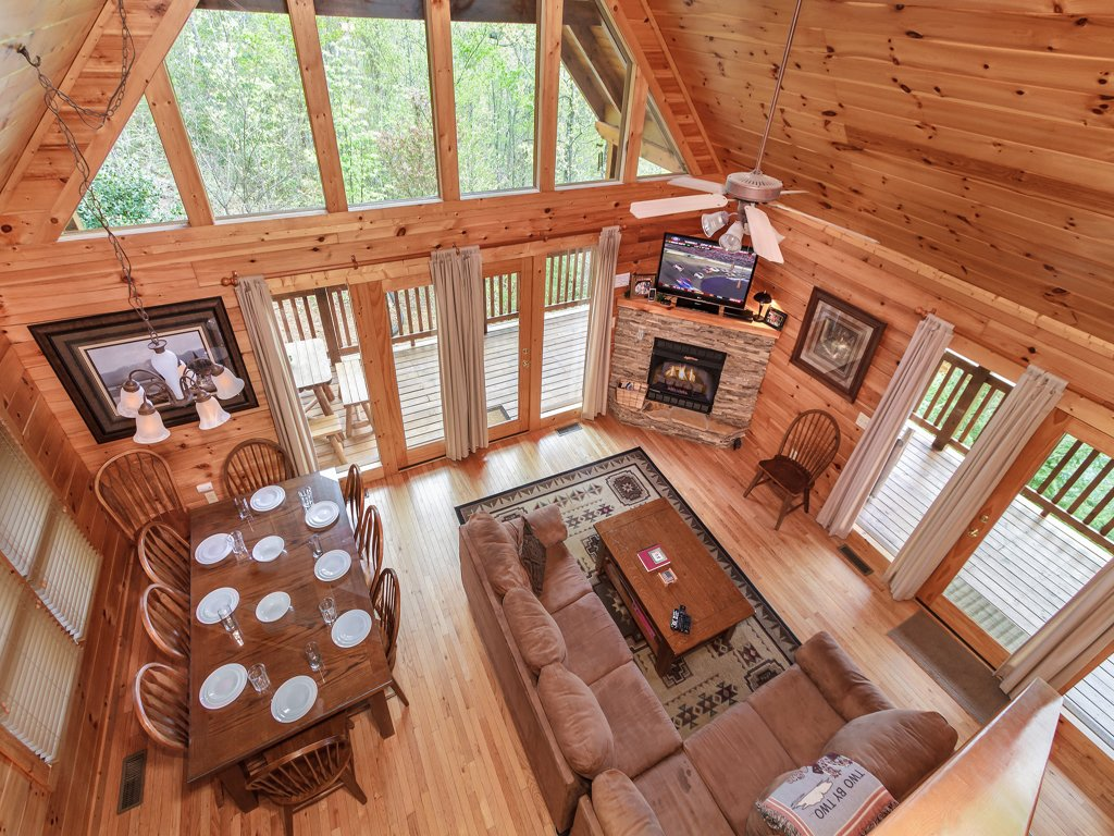 Photo of a Gatlinburg Cabin named Enchanted View Lodge - This is the sixth photo in the set.