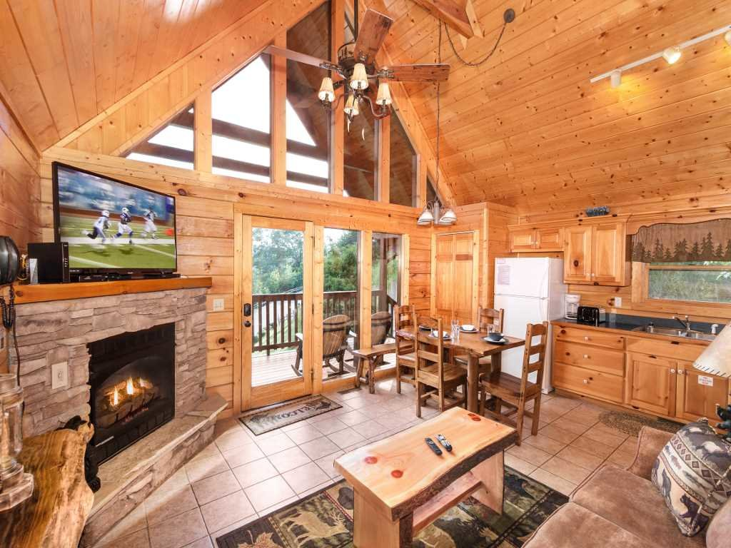 Photo of a Gatlinburg Cabin named Saddle Ridge - This is the second photo in the set.