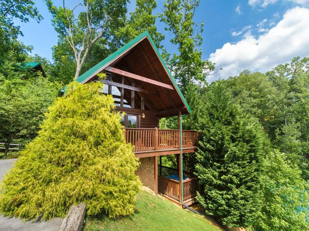 Photo of a Gatlinburg Cabin named Saddle Ridge - This is the eighteenth photo in the set.