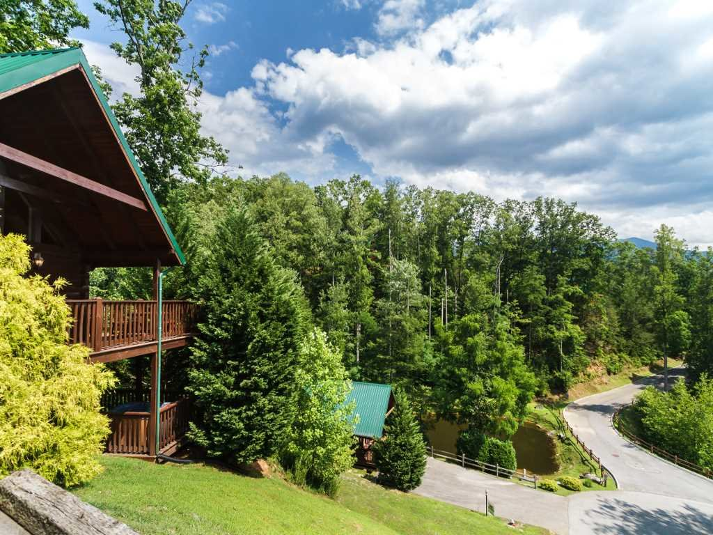 Photo of a Gatlinburg Cabin named Saddle Ridge - This is the fourteenth photo in the set.