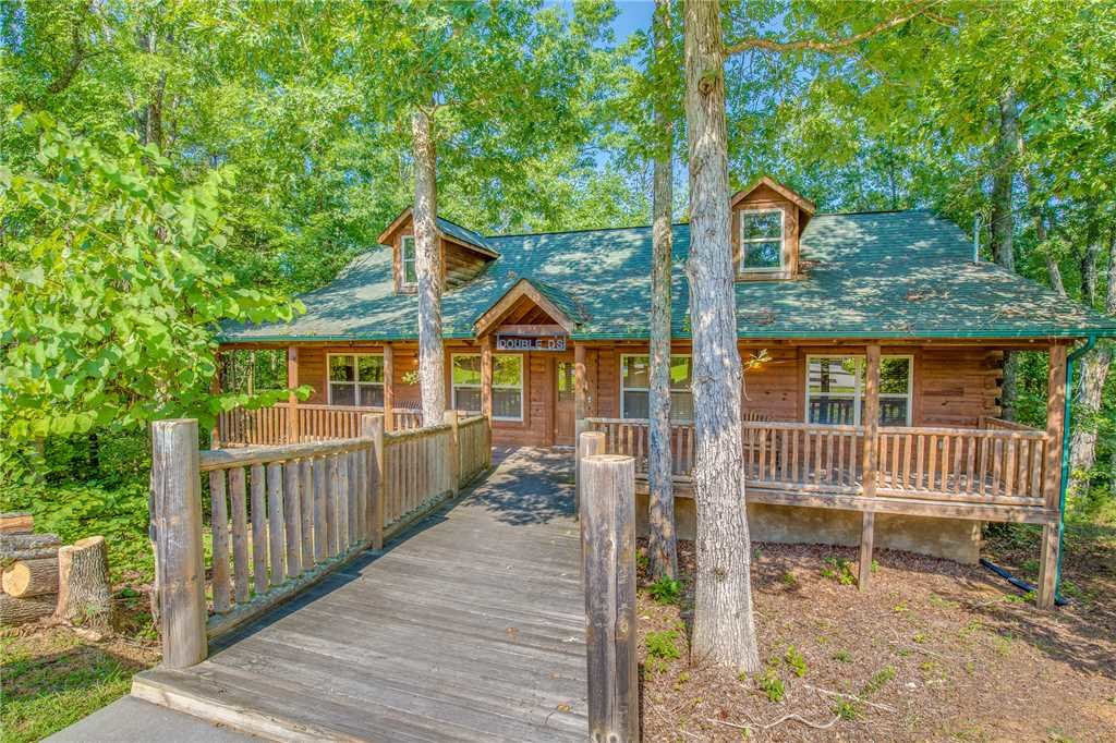 Photo of a Sevierville Cabin named Double D's Ranch - This is the twenty-first photo in the set.