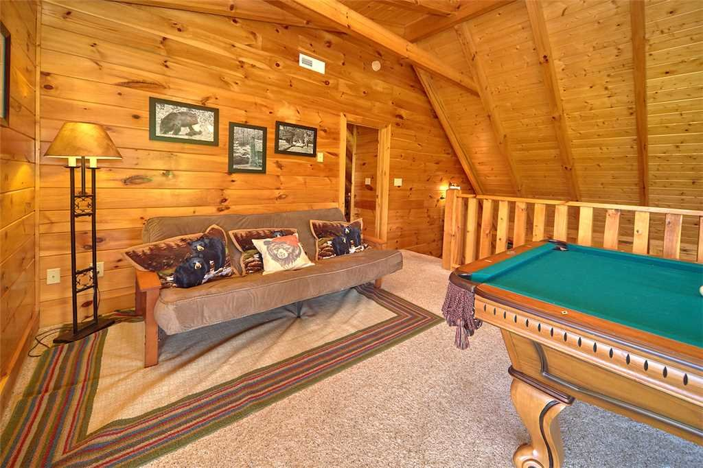 Photo of a Pigeon Forge Cabin named Lookout Ridge - This is the eighth photo in the set.