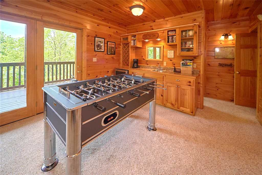 Photo of a Pigeon Forge Cabin named Lookout Ridge - This is the twelfth photo in the set.