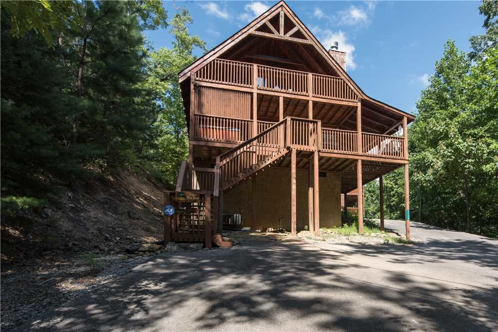 Photo of a Gatlinburg Cabin named Time For Two - This is the eighteenth photo in the set.