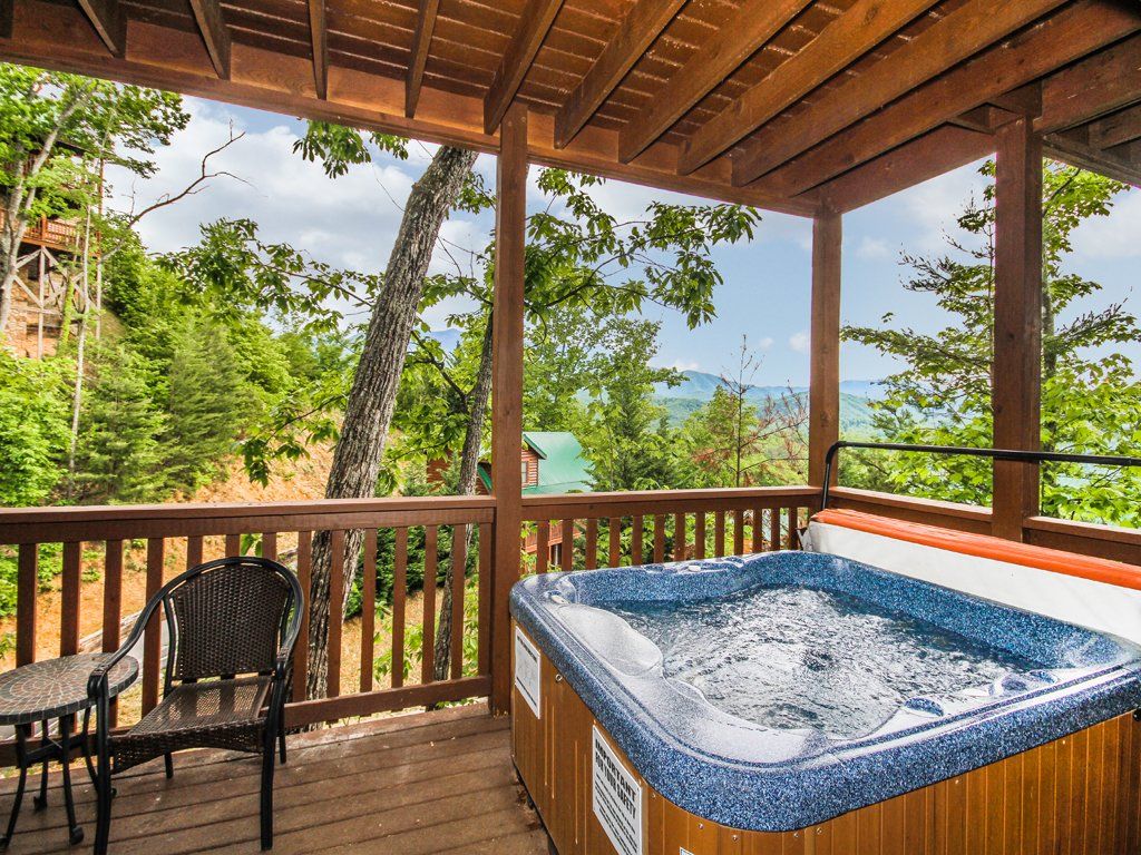 Photo of a Gatlinburg Cabin named Chimney Top Overlook - This is the second photo in the set.