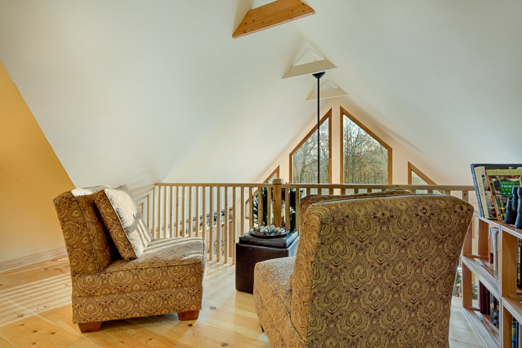 Photo of a Pigeon Forge Cabin named Bear Ridge - This is the eighteenth photo in the set.