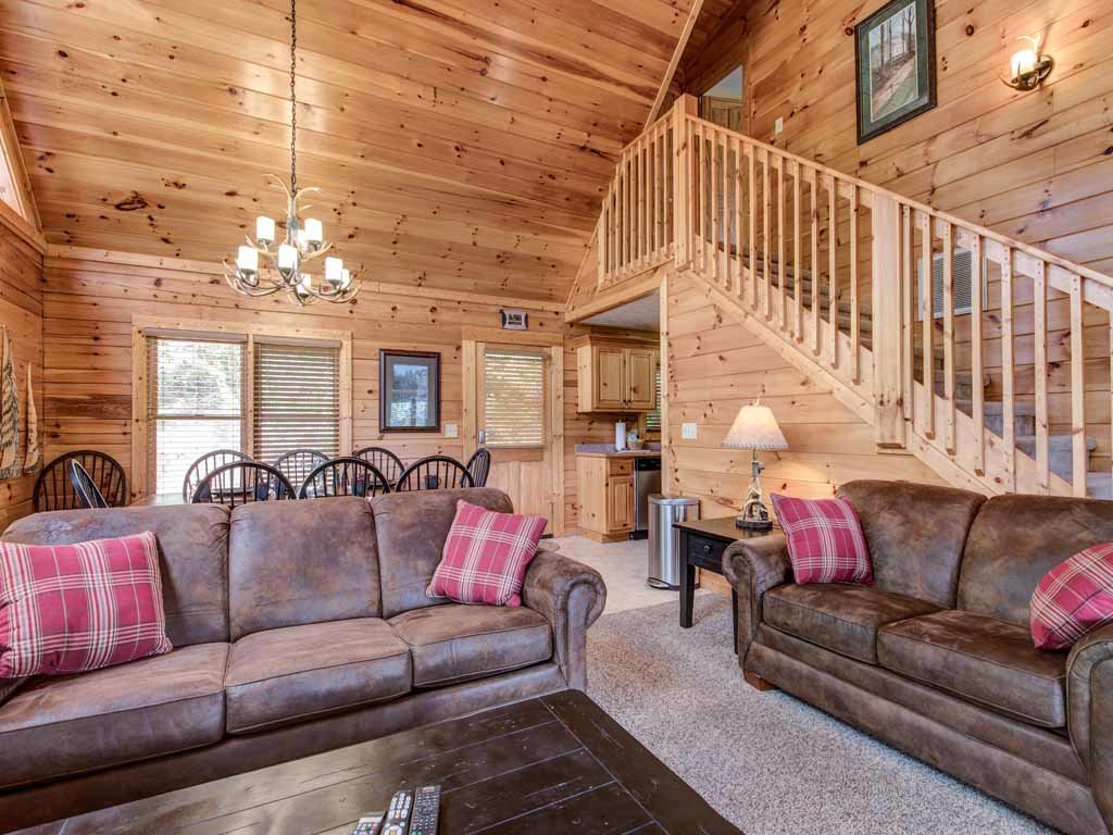Photo of a Gatlinburg Cabin named Highpoint Escape - This is the fifth photo in the set.