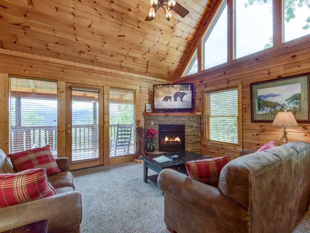Photo of a Gatlinburg Cabin named Highpoint Escape - This is the first photo in the set.