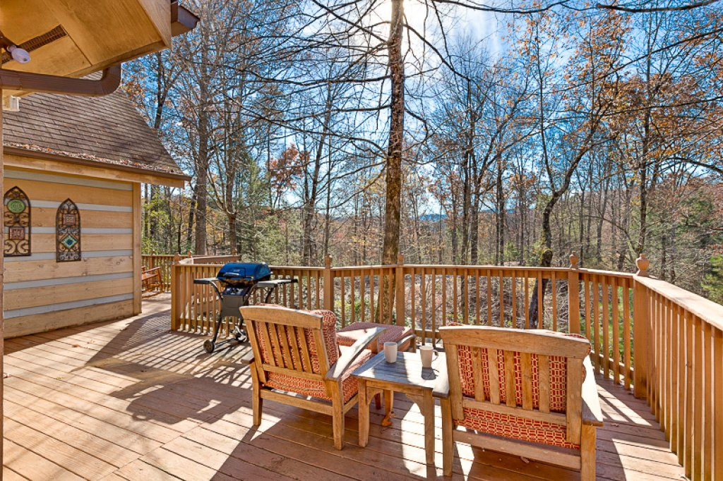 Photo of a Pigeon Forge Cabin named Bear Ridge - This is the nineteenth photo in the set.