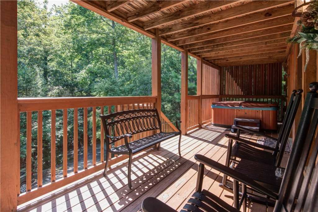 Photo of a Gatlinburg Cabin named Time For Two - This is the seventeenth photo in the set.