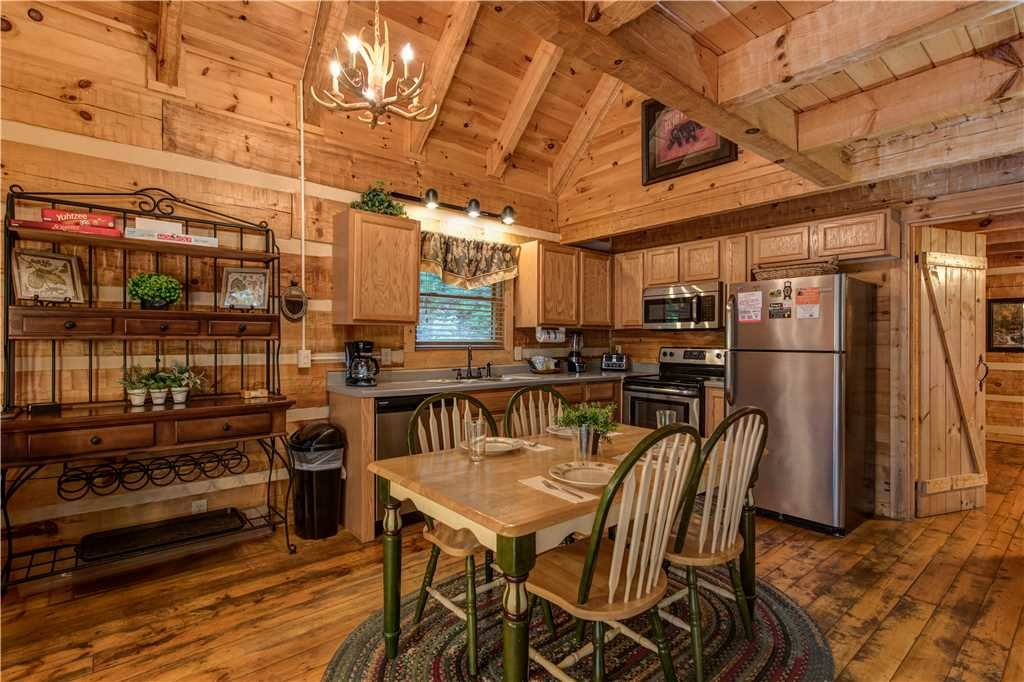 Photo of a Gatlinburg Cabin named Time For Two - This is the fifth photo in the set.