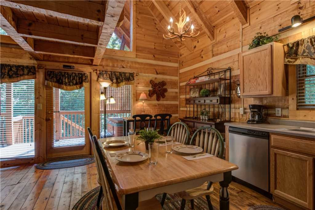 Photo of a Gatlinburg Cabin named Time For Two - This is the sixth photo in the set.