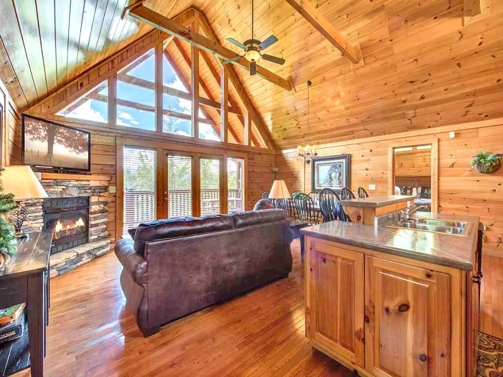 Photo of a Gatlinburg Cabin named Eagles Point Lodge - This is the first photo in the set.