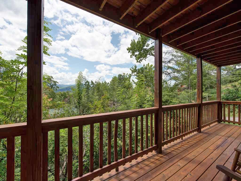 Photo of a Gatlinburg Cabin named Highpoint Escape - This is the twenty-first photo in the set.