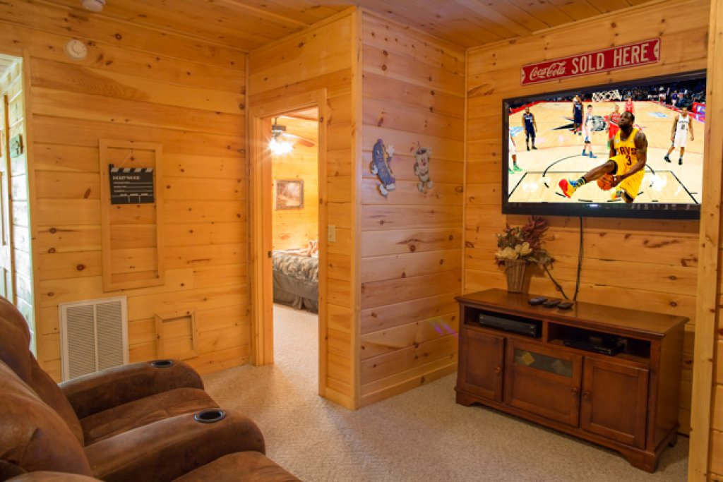 Photo of a Gatlinburg Cabin named Peyton's Hideaway - This is the ninth photo in the set.