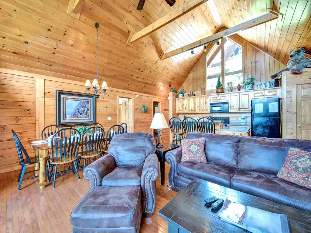 Photo of a Gatlinburg Cabin named Eagles Point Lodge - This is the fifth photo in the set.