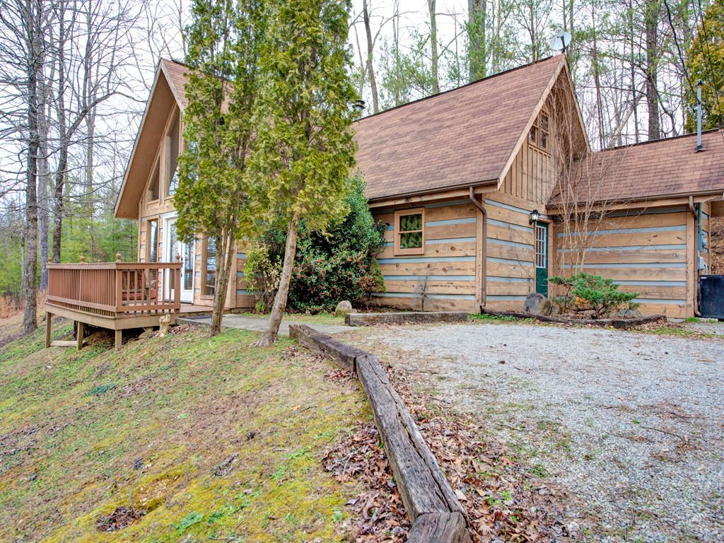 Photo of a Pigeon Forge Cabin named Bear Ridge - This is the twenty-third photo in the set.