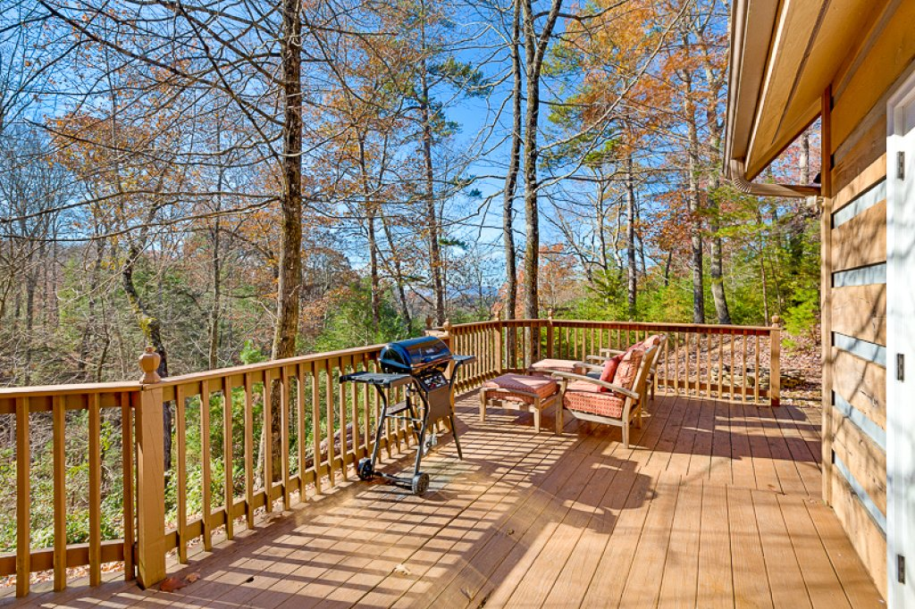 Photo of a Pigeon Forge Cabin named Bear Ridge - This is the twentieth photo in the set.