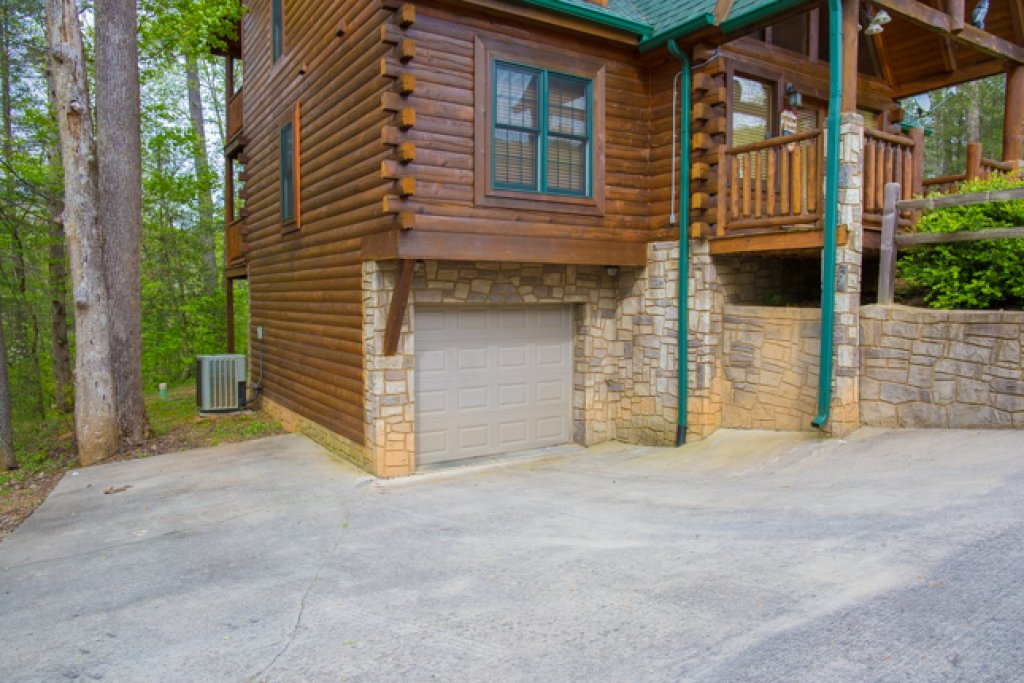 Photo of a Gatlinburg Cabin named Peyton's Hideaway - This is the twenty-seventh photo in the set.
