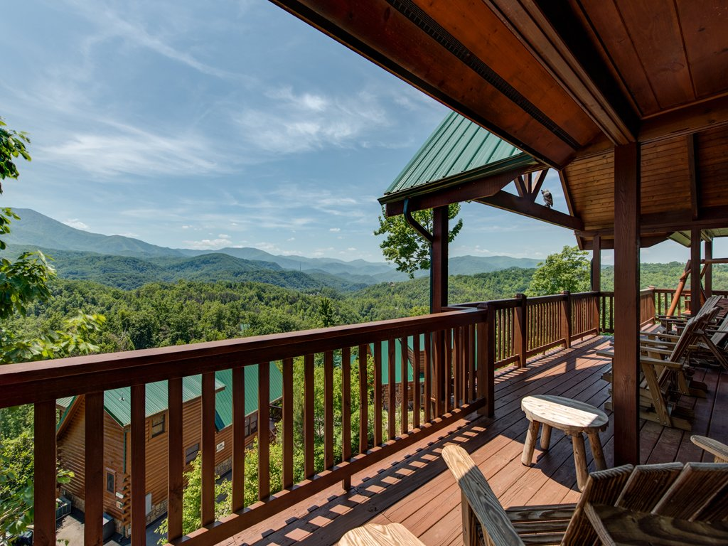 Photo of a Gatlinburg Cabin named Majestic Point Lodge - This is the thirty-fourth photo in the set.