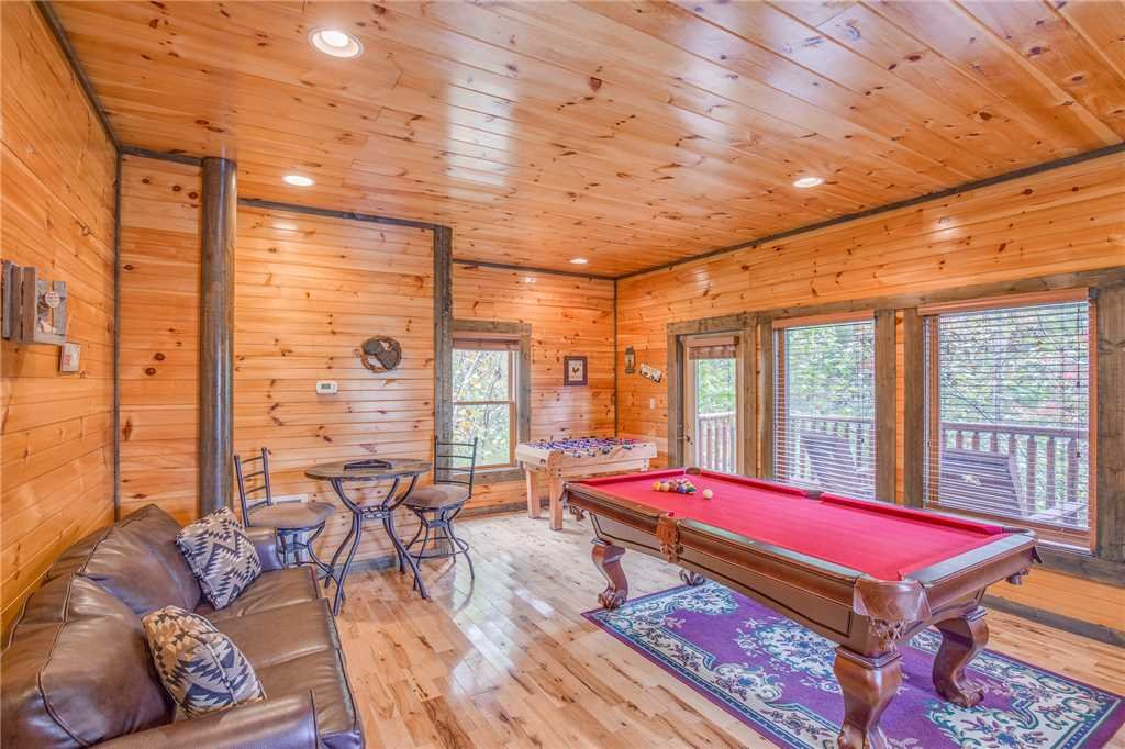 Old Hickory Lodge Cabin In Gatlinburg W 4 Br Sleeps18