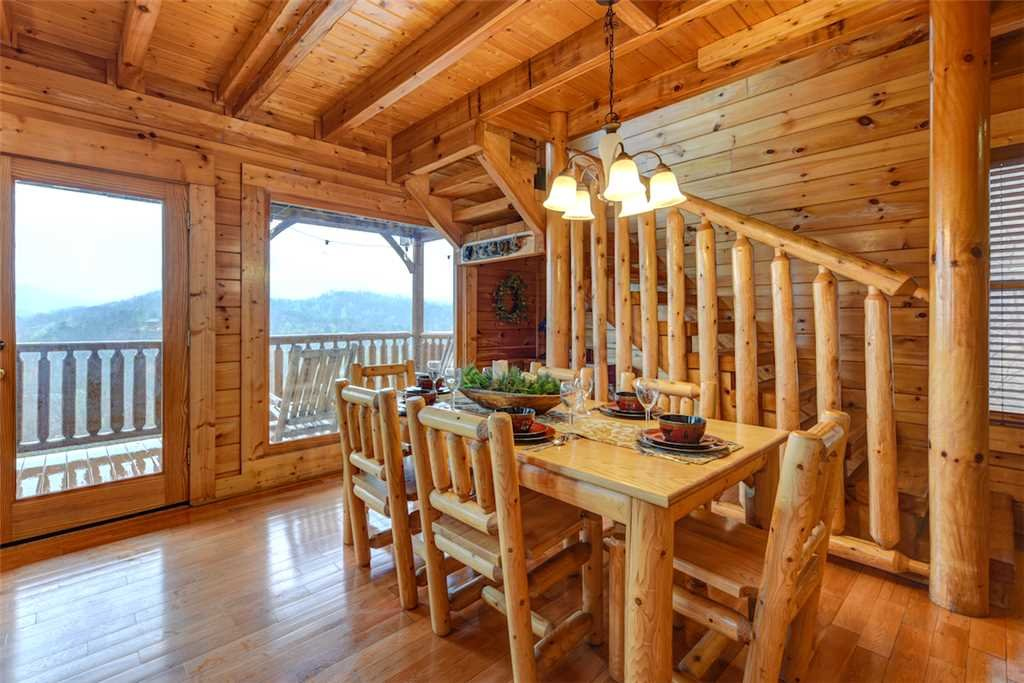 Photo of a Pigeon Forge Cabin named True Love - This is the sixth photo in the set.