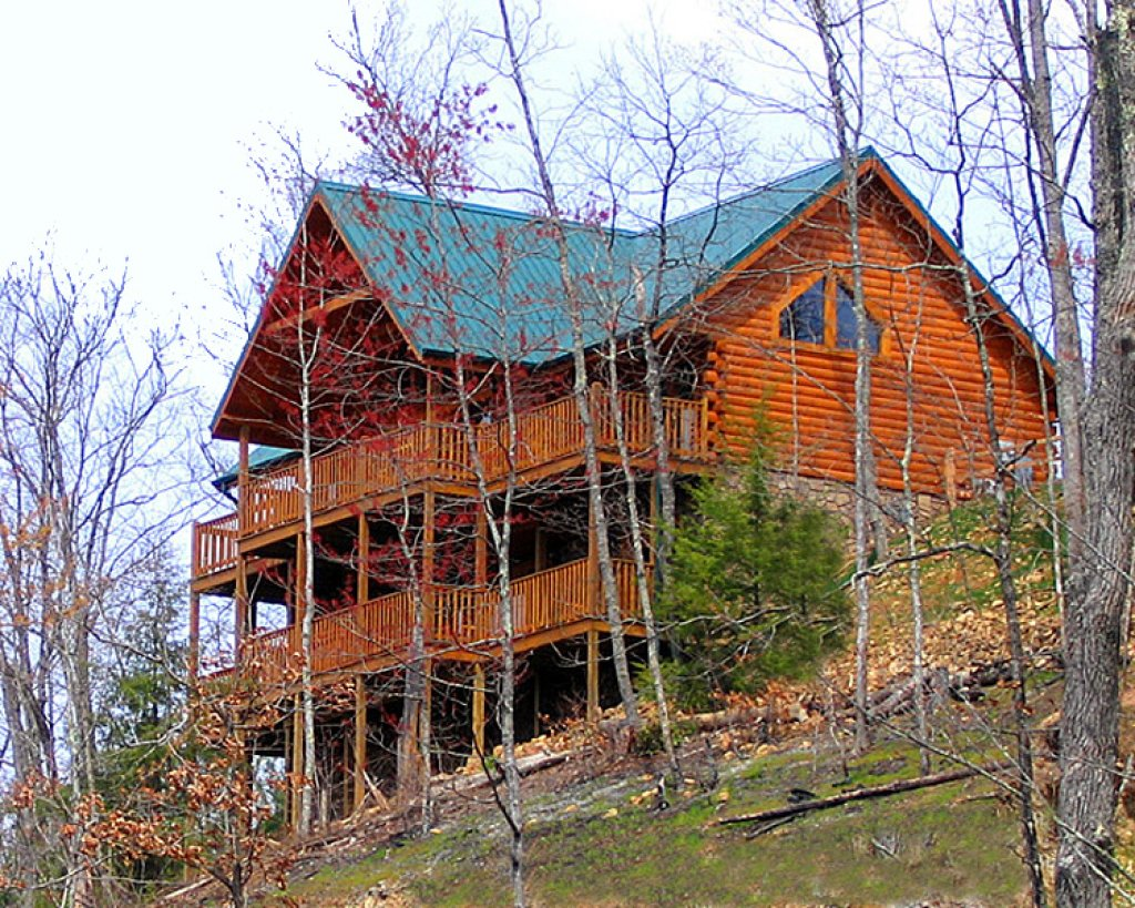 Photo of a Gatlinburg Cabin named Eagles Point Lodge - This is the twenty-fifth photo in the set.