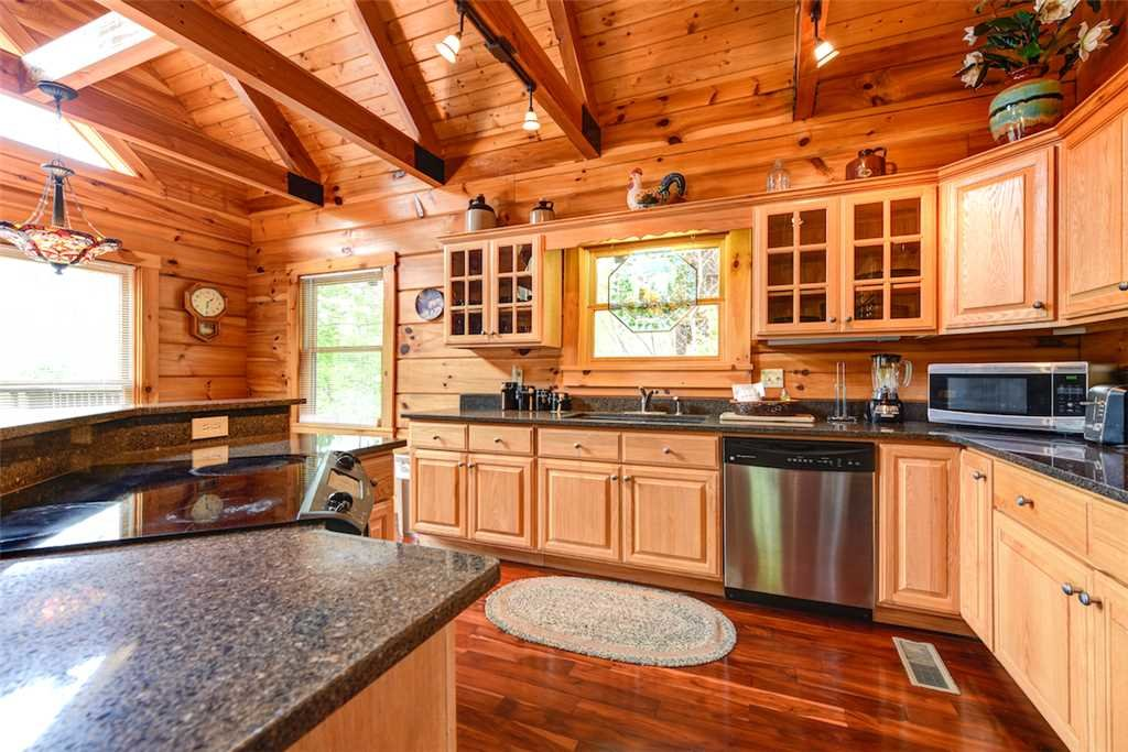 Photo of a Gatlinburg Cabin named Elkhorn Lodge - This is the eighth photo in the set.