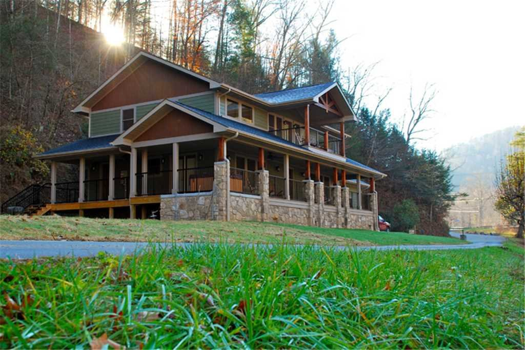 Photo of a Gatlinburg Cabin named River Memories - This is the twenty-sixth photo in the set.
