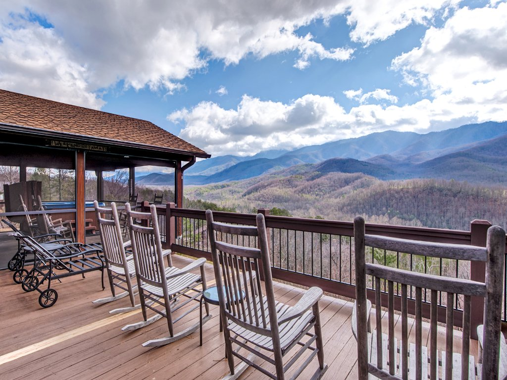 Photo of a Gatlinburg Cabin named Resting Bears - This is the second photo in the set.