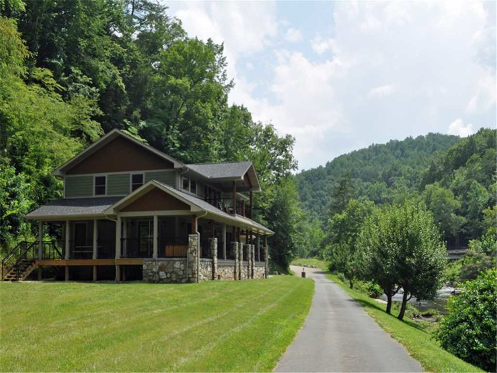Photo of a Gatlinburg Cabin named River Memories - This is the twenty-first photo in the set.