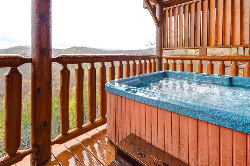 Photo of a Pigeon Forge Cabin named True Love - This is the second photo in the set.