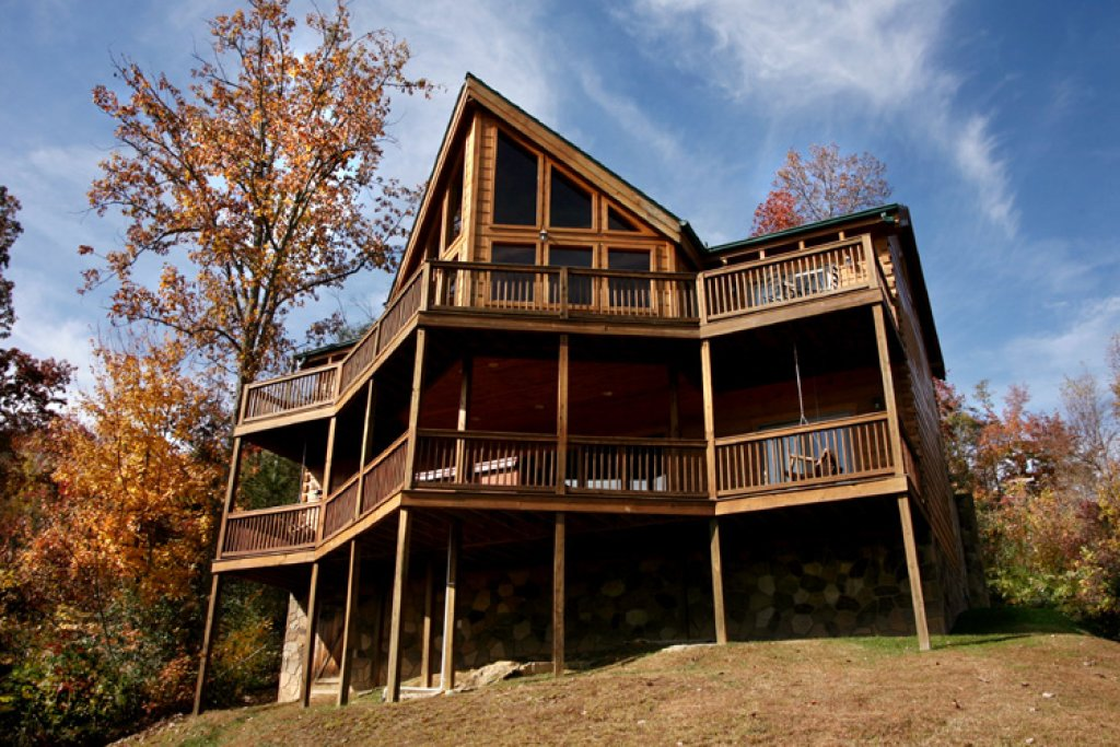 Photo of a Gatlinburg Cabin named Appalachian Lodge - This is the thirty-second photo in the set.