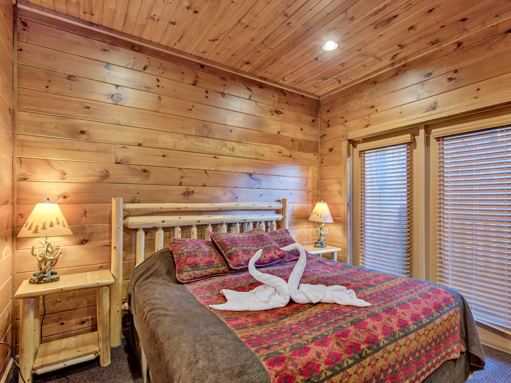 The great escape ii cabin in gatlinburg w 5 br sleeps17 for Nuvola 9 cabin gatlinburg